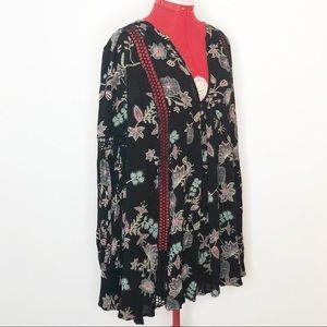 Free People black floral tunic cot out crochet EUC